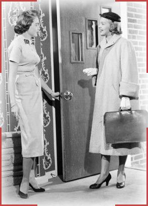 Door-To-Door-saleswoman